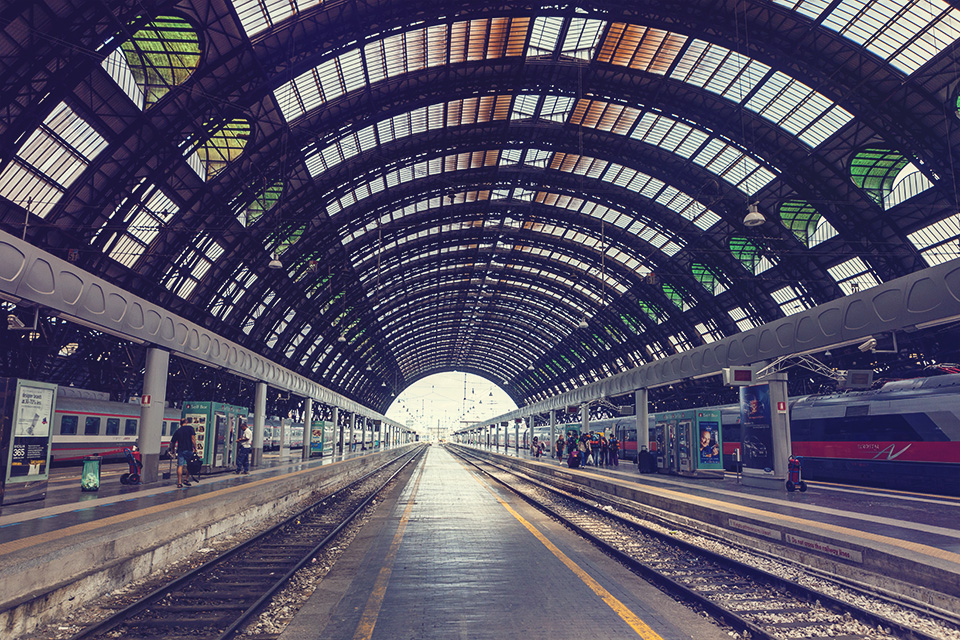 milan - milano centrale (milan central station)