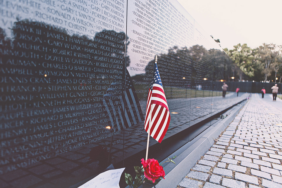 washington d.c. - vietnam veterans memorial